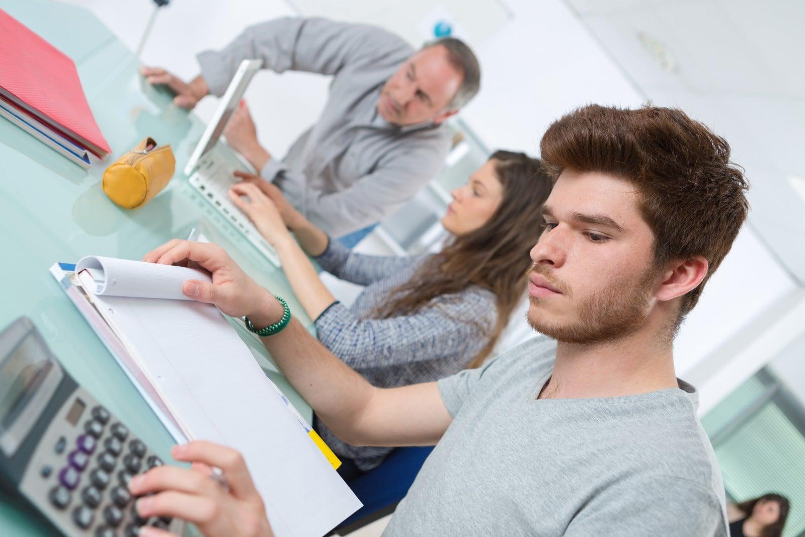 Диплом бакалавра неконкурентоспособная единица на рынке труда  Диплом бакалавра неконкурентоспособная единица на рынке труда